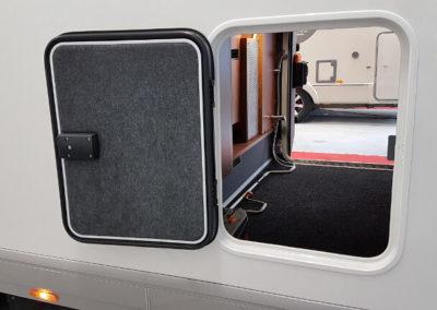 Carthago C-Line XL 5.8 QB - 2015 - Svea Husbilar (10)