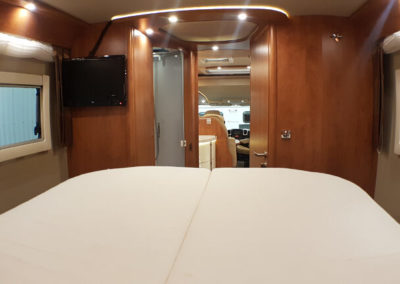 Carthago C-Line XL 5.8 QB - 2015 - Svea Husbilar (59)