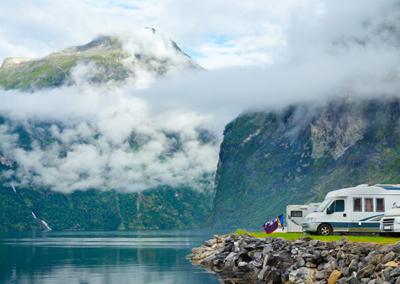 1080x400_norwegian_lake